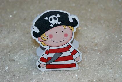 Contenant drag es en carton jack le pirate - Decoration bapteme pirate ...